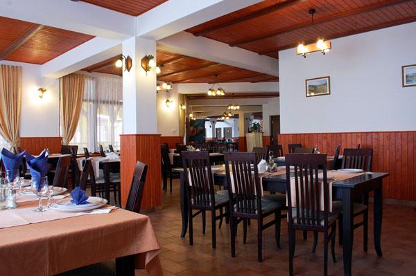 ansamblu-restaurant